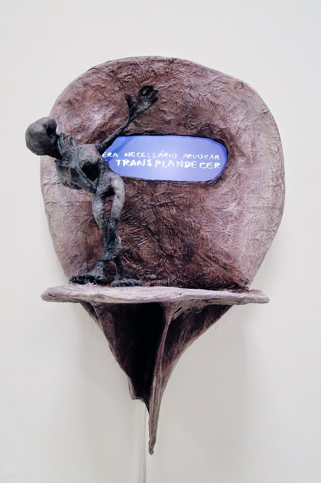 "Fábio Purper Machado, ""A Epopeia do Dr. Tergiverso"", videoHQescultura, 2014."