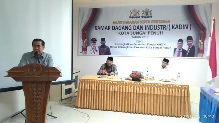 Walikota Sungai Penuh AJB  Buka Musyawarah KADIN
