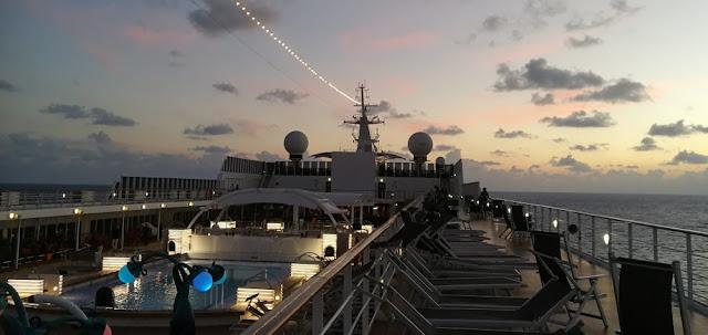 MSC Armonia - Sonnenuntergang auf See