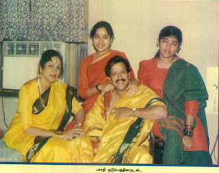 Vishnuvardhan with  Daughters and wife