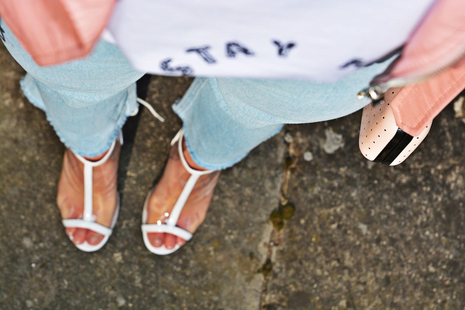 10_nakd_spodnie_jeansy_rozowa_ramoneska_przezroczyste_sandalki_renee_karyn_blog_modowy_220418