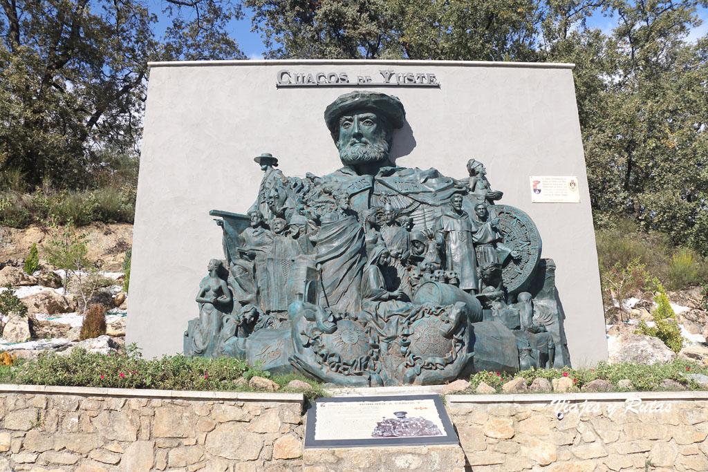 Escultura homenaje a Carlos V, Cuacos de Yuste