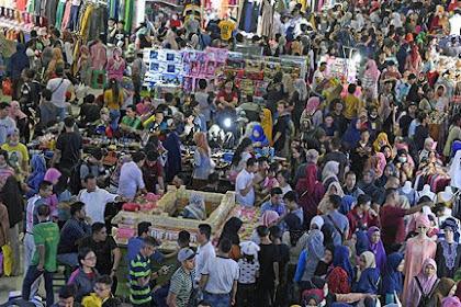 Kesibukan menjelang Idul Fitri dan rutinitas yang menyita waktu