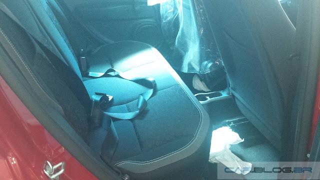 Fiat Mobi - espaço no banco traseiro