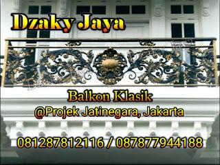 Contoh model balkon besi tempa rumah klasik Jatinegara, Jakarta Timur