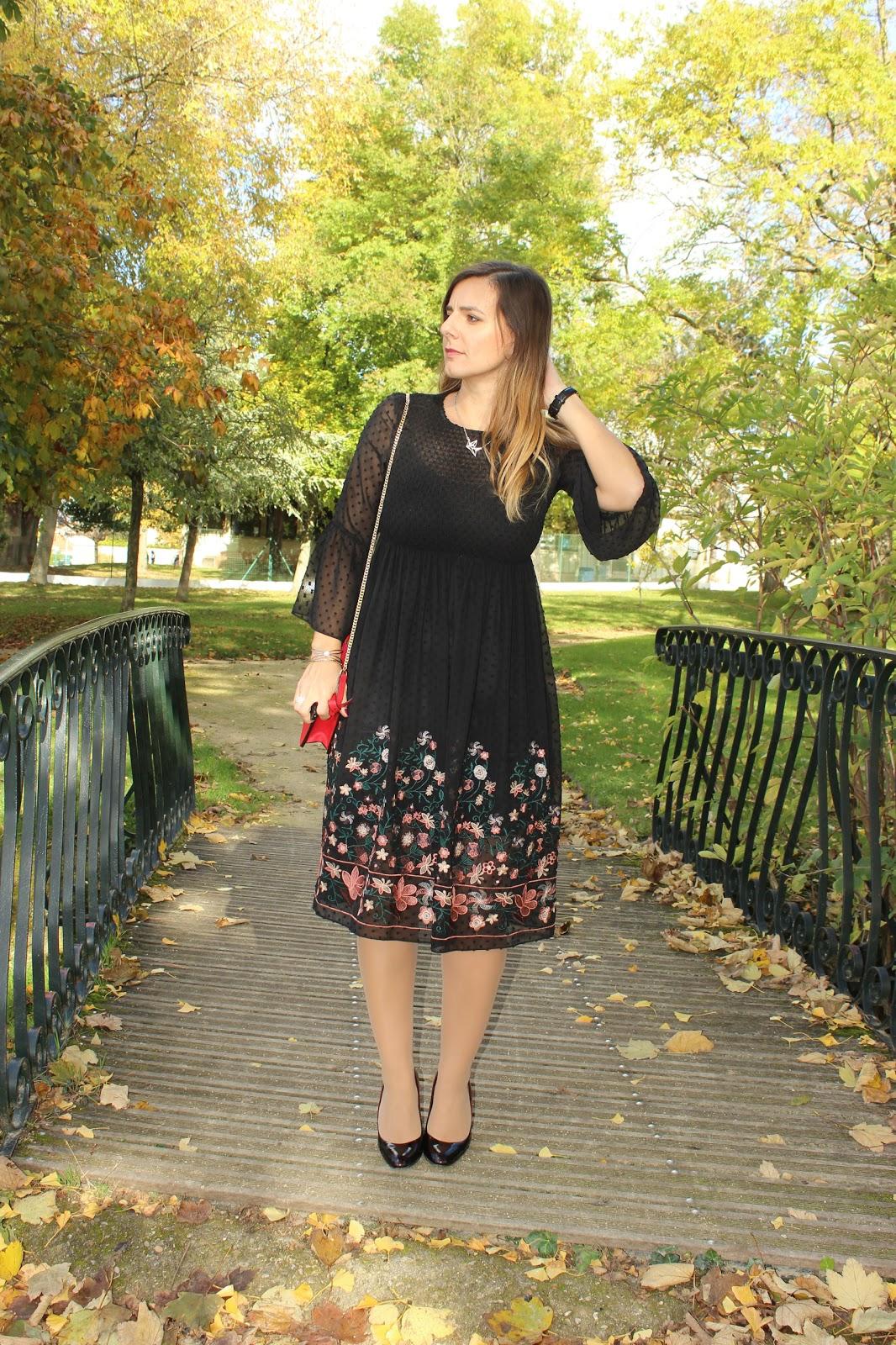 robe bohème zara, sac rouge, escarpins bicolores, montre daniel wellington les petites bulles de ma vie