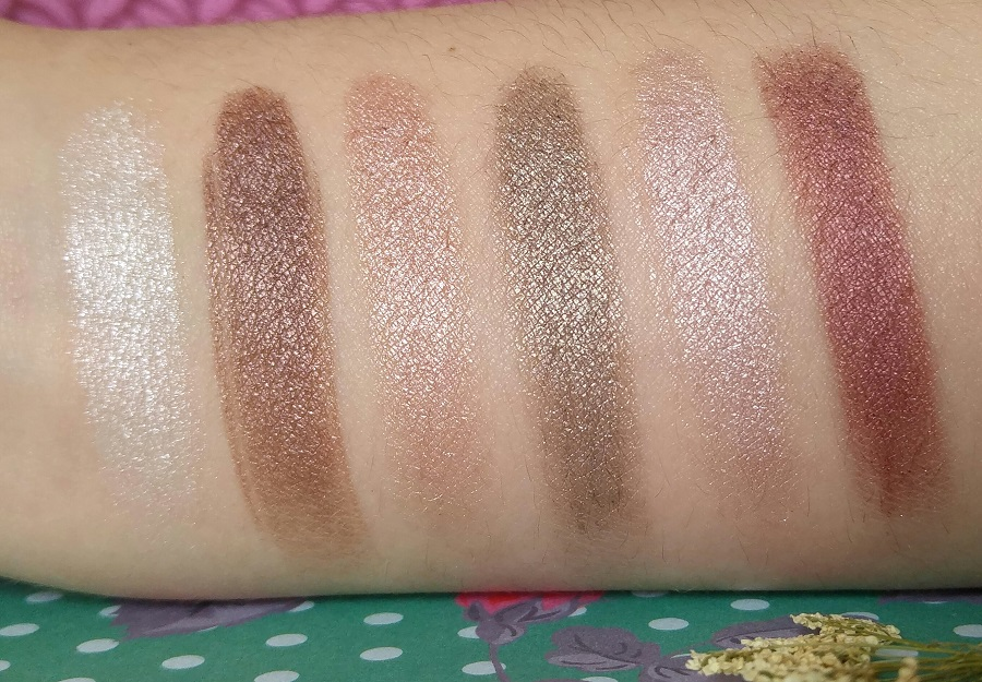 Makeup Revolution Romantic Smoked palette swatches