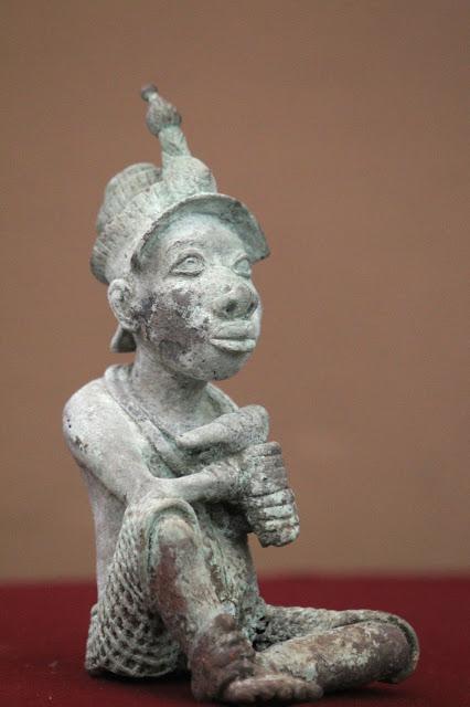 Mexico returns bronze sculpture to Nigeria