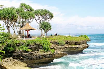 Hari libur sudah datang waktunya untuk anda dan keluarga menyisihkan waktu untuk berlibur b 10 Pantai di Jawa Barat Yang Cocok Untuk Liburan Tahun Baru