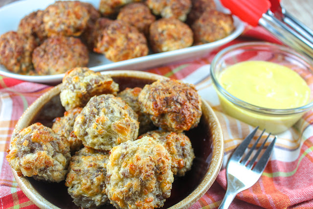 Cheesy Garlic Sausage Balls