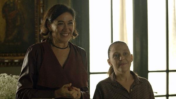 Valentina diz a Luz que Gabriel acordou (Imagem: Reprodução/TV Globo)