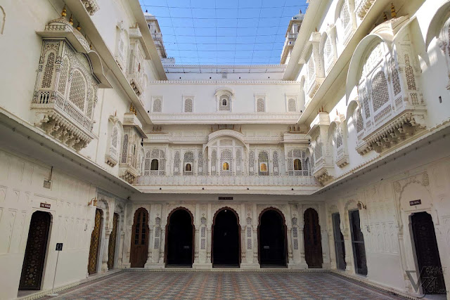 Anup Mahal courtyard, which connects Anup Mahal to Rai Niwas and Badal Mahal