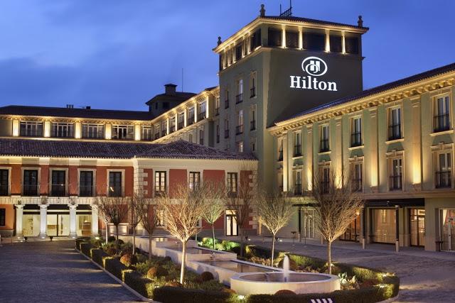 فندق هيلتون الإمارات لعام 2019 براتب يصل إلى 15000 درهم