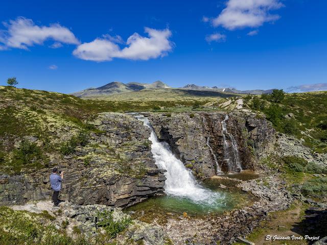 Cascada Storulfossen del P.N. Rondane - Noruega, por El Guisante Verde Project