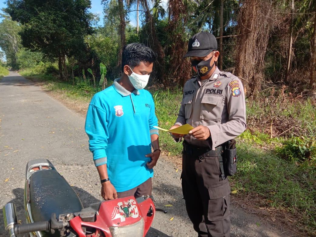 Antisipasi Virus Corona, Kanitbinmas Polsek Kahayan Kuala Lakukan Sosialisasi Protokol Kesehatan
