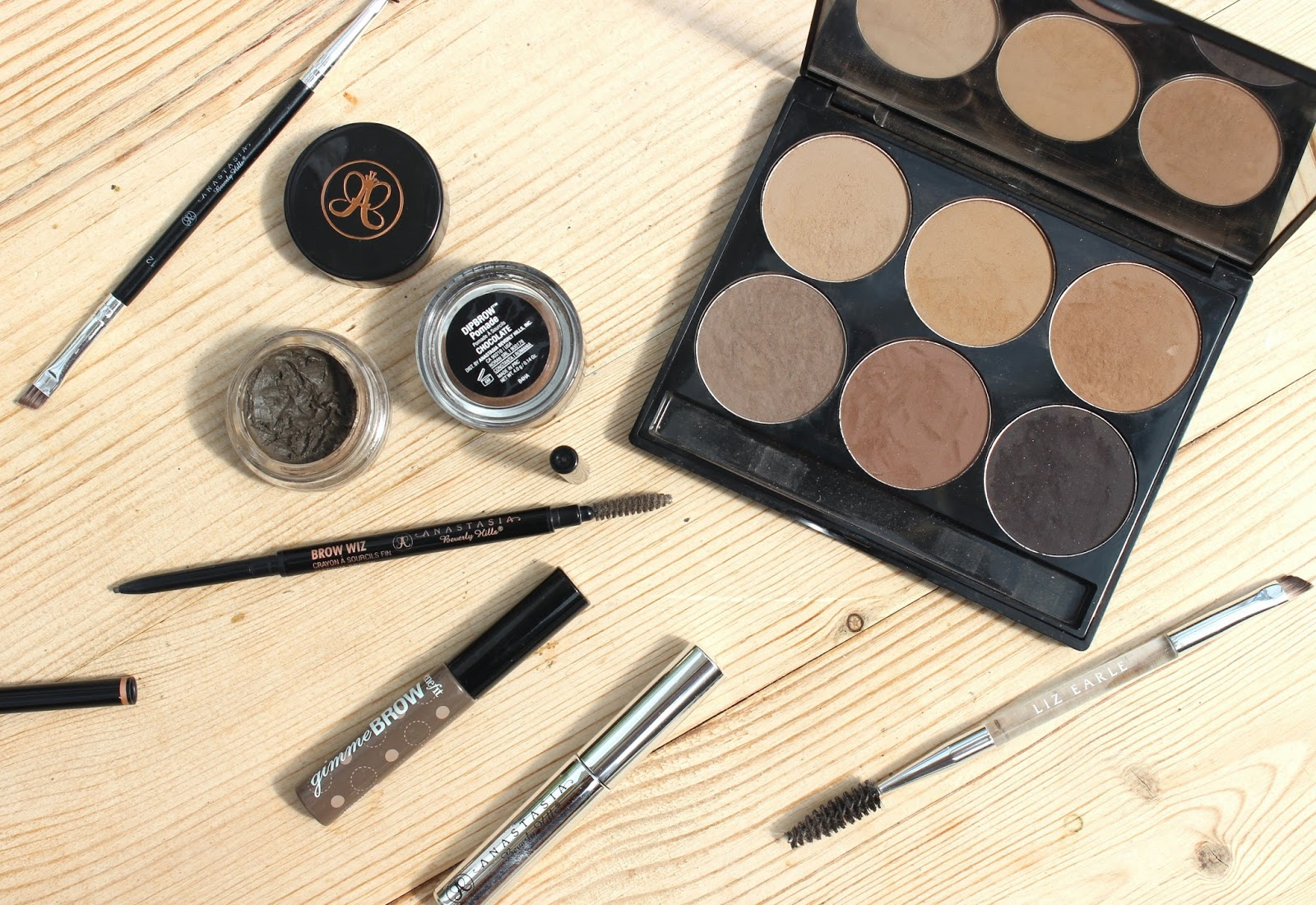 BEAUTY & LE CHIC: The Ultimate Brow Edit