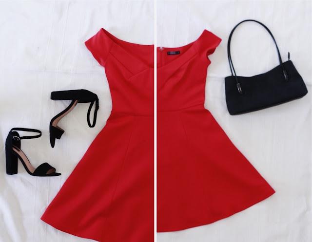 Stylizacja na ślub dla gościa - krwisto czerwona sukienka, czarne dodatki - wysokie sandały na klockowatym obcasie i torebka vintage.