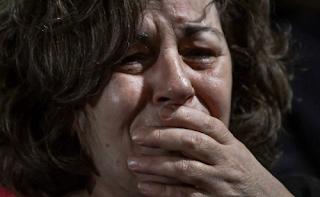 Δίκη Χρυσής Αυγής: Κατέρρευσε η Μάγδα Φύσσα όταν πέρασε από δίπλα της ο Ρουπακιάς