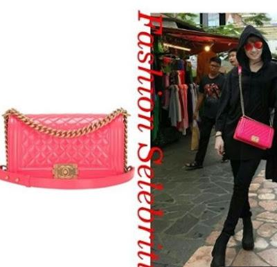 Chika Jessica Fashion Sling Bag Merah Muda dari Chanel Tembus Harga Rp 88 Juta