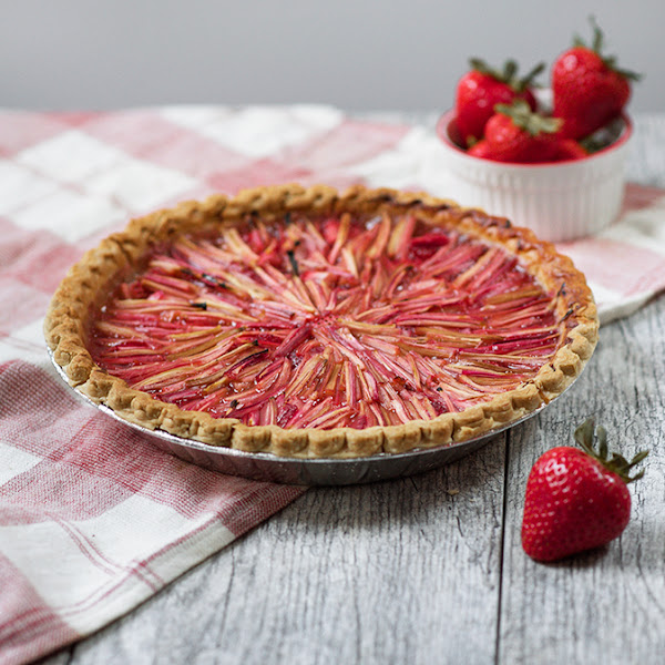 Strawberry Rhubarb Topped Pie