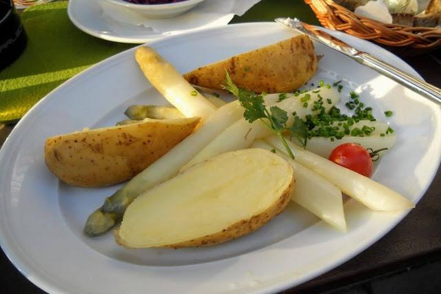 2 days in Munich in the Spring: White asparagus at Wirtshaus zur Brez'n