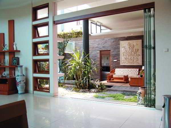 Contoh Taman Minimalis Dalam Rumah Kontemporer