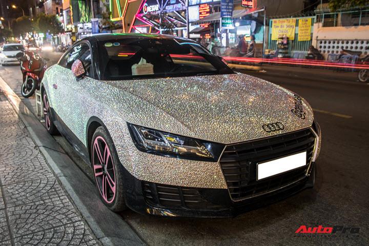 Nữ đại gia Sài Gòn chơi trội, lột xác Audi TT với phiên bản sáng nhất màn đêm - Ảnh 4.
