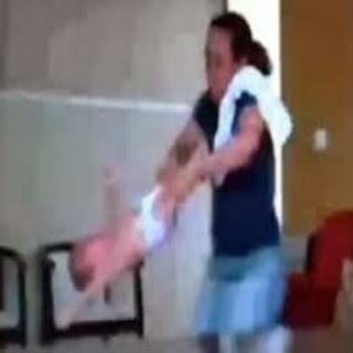 Babas-e-cuidadoras-de-idosos-malvadas