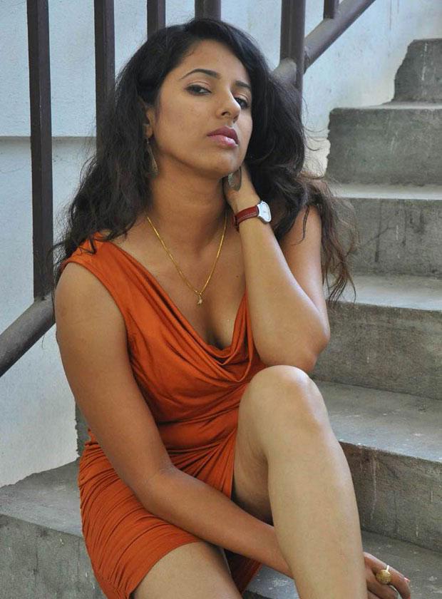 Hema Malini Thigh Nude Video 23