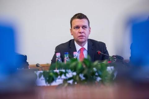 Menczer Tamás alaposan helyretette Debrecen szégyenét, a Müller Cecíliát gyalázó DK-s politikust