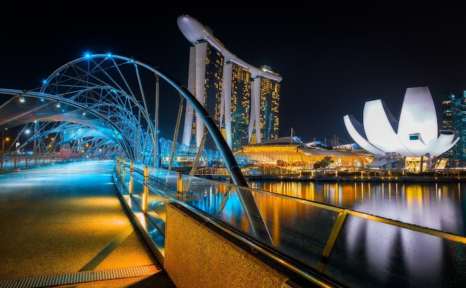 Look Over The Marina Bay On HELIX Bridge