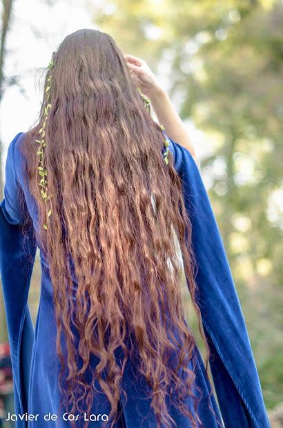 sword-woman's natural hair