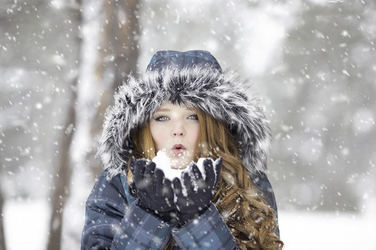 Thời tiết lạnh hoặc hanh khô khiến da mất đi độ ẩm
