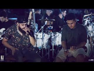 Henrique e Juliano - Clipe da Música Fim ou Intervalo do DVD Menos é Mais