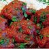 Παραδοσιακά σουτζουκάκια με κόκκινη σάλτσα