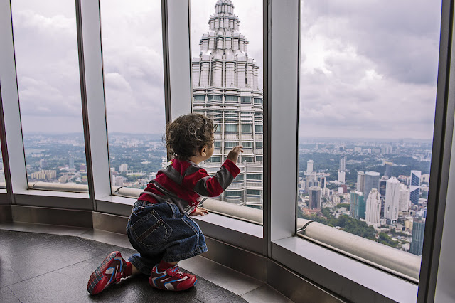 kid in the Petronas Twin Towers Observatory