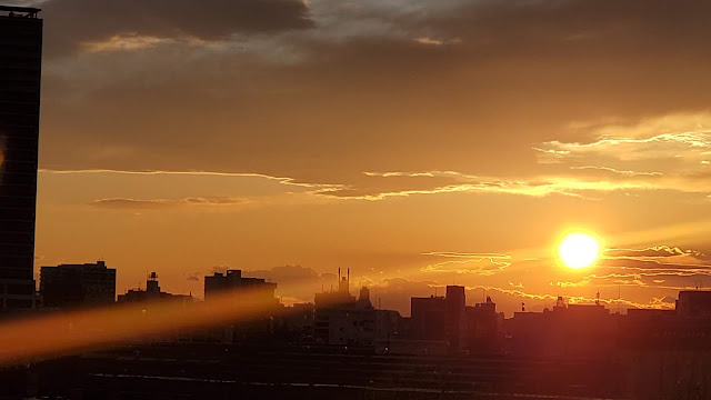 ビーム感のある夕日