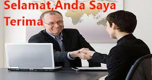 bagaimana posisi tangan yang benar ketika wawancara kerja