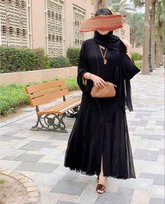 عبايات خليجية , صور موديلات عبايات سهرة للمحجبات سوداء اللون للخروج