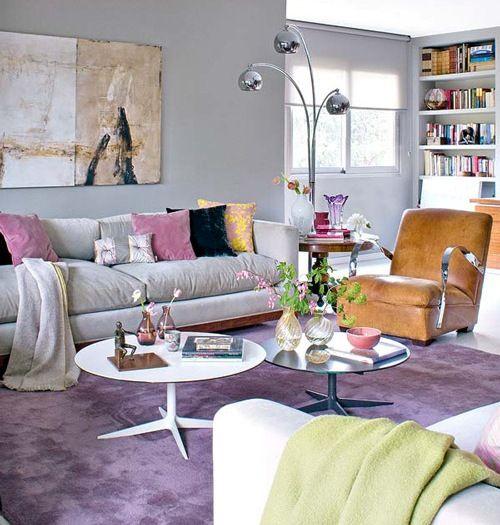 Decoração de sala de estar sofa cinza parede cinza