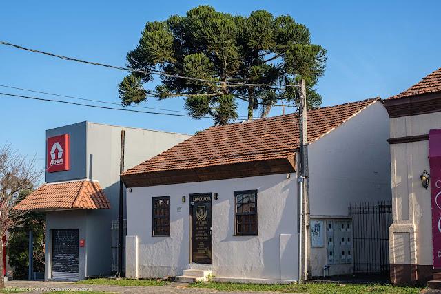 Casa na Avenida Anita Garibaldi 2319