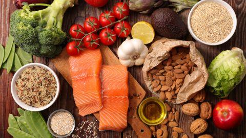 4 علامات يخبرك بها جسمك عن نقص الفيتامينات