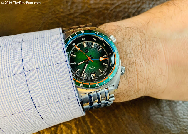 Straton Tourer quartz GMT green wrist shot
