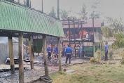 Api Melalap Tiga Rumah Panggung di Desa Lempa