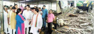 गौशाला में निरीक्षण के दौरान गायों के शवों के देखकर भड़के प्रभारी मंत्री