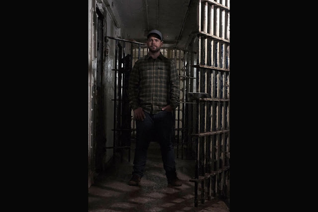 Jack Osbourne inside Ohio's haunted Old Paulding Jail.