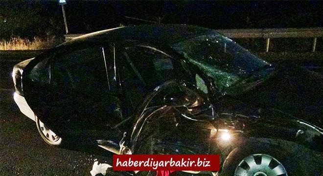 Çınar Beşpınar yakınlarında minibüs ile otomobil çarpıştı: 8 yaralı