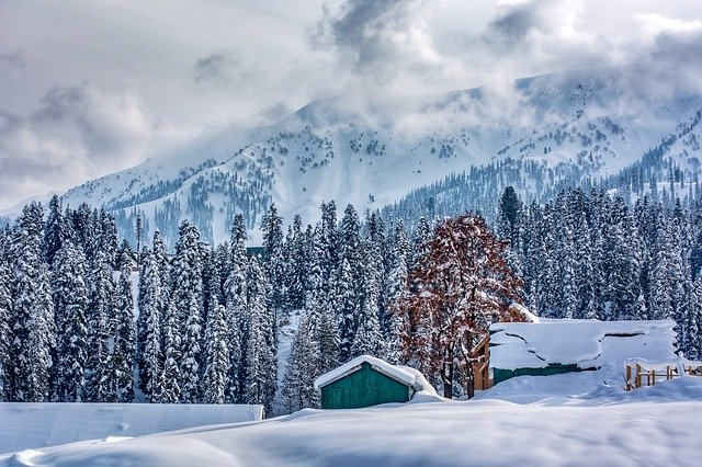Gulmarg, Summer Capital for skiers in South Asia - Travel Guide