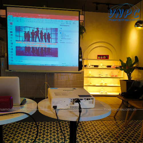 VNPC cho thuê máy chiếu sự kiện