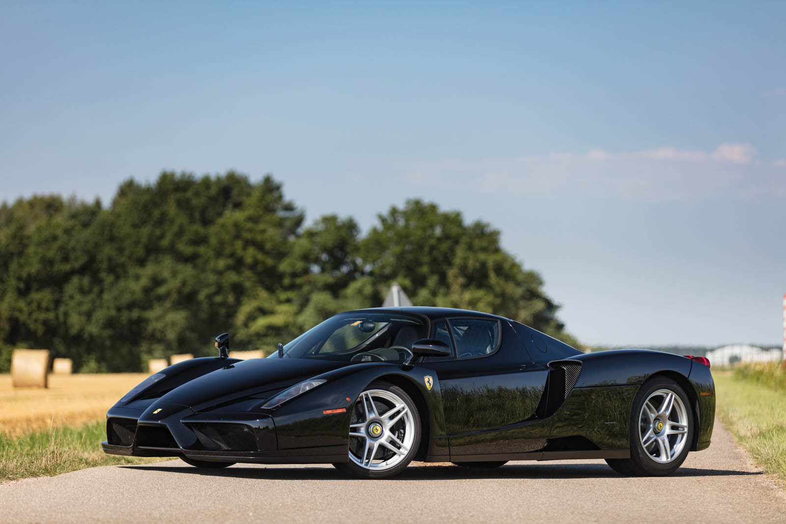 ferrari enzo looks best in black carscoops. Black Bedroom Furniture Sets. Home Design Ideas